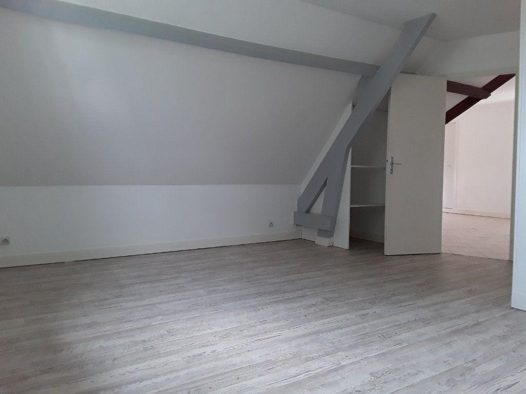 Appartement à louer 4 92.81m2 à Surville vignette-7