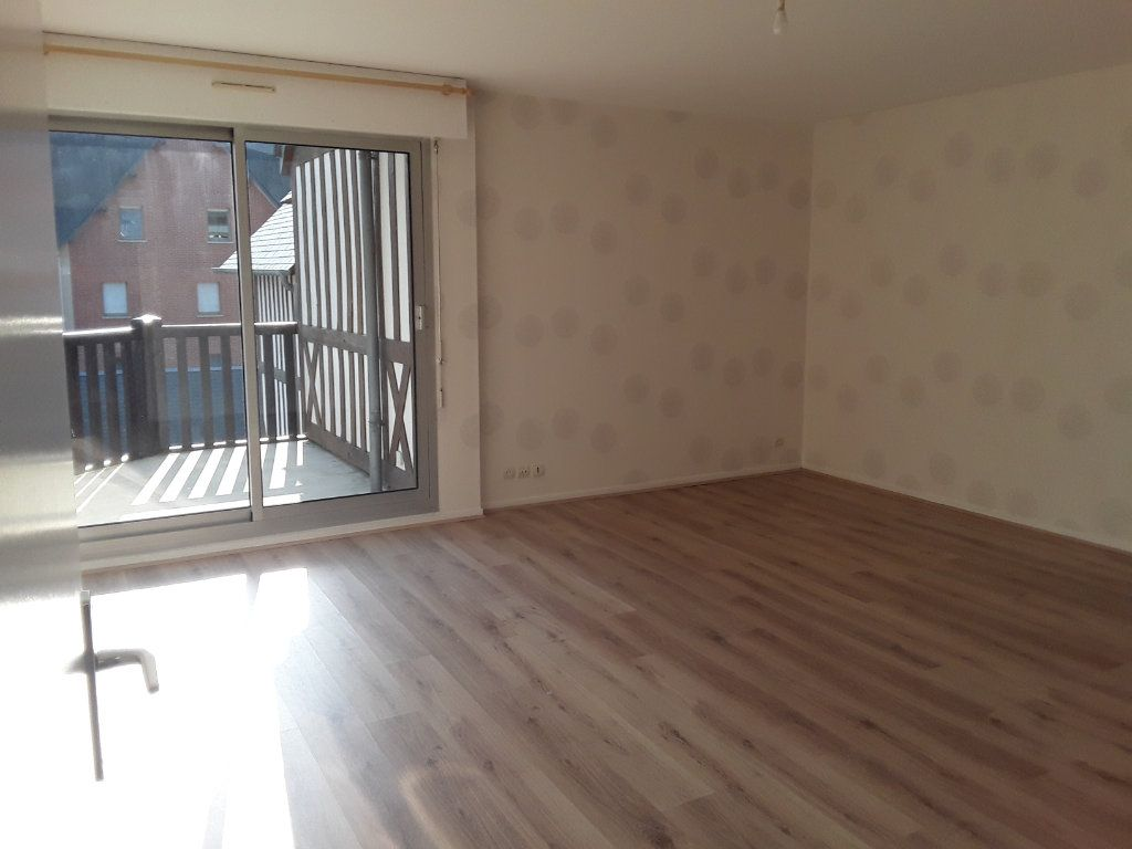 Appartement à louer 3 59.73m2 à Pont-l'Évêque vignette-2
