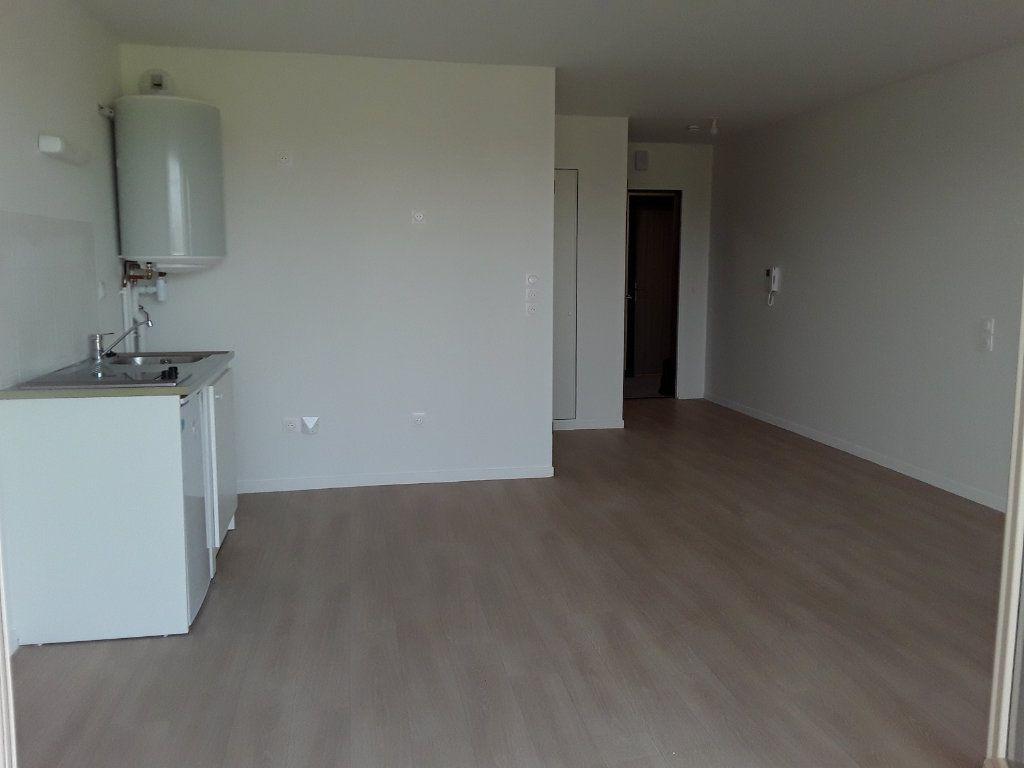 Appartement à louer 1 31.46m2 à Pont-l'Évêque vignette-1