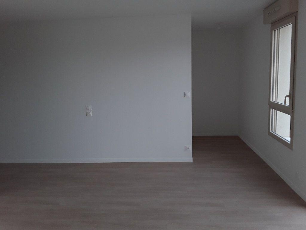 Appartement à louer 1 31.46m2 à Pont-l'Évêque vignette-3