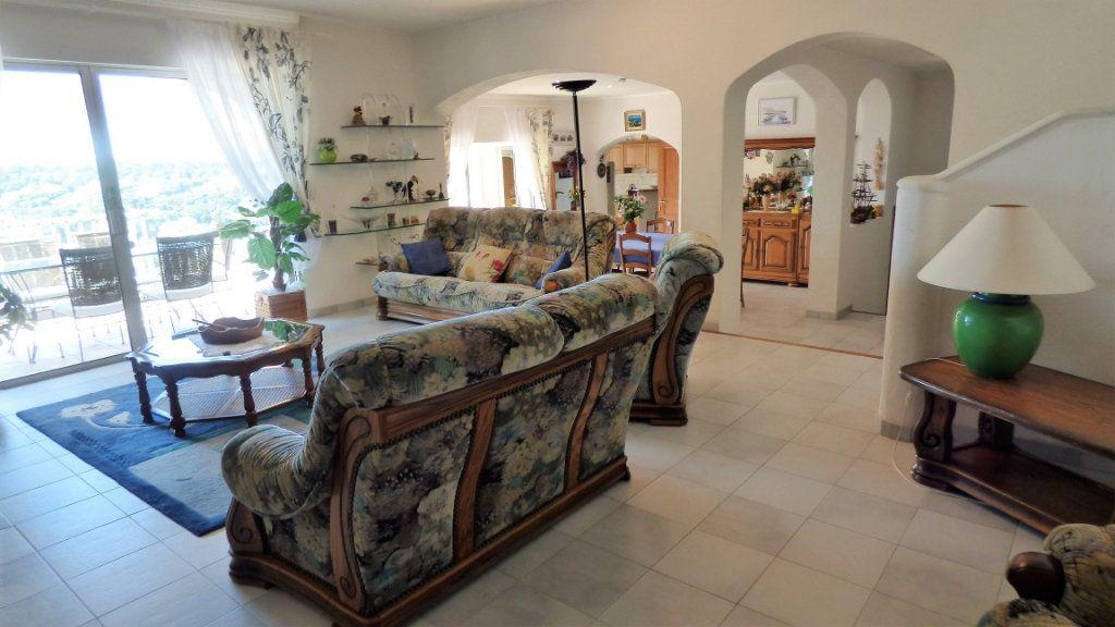 Maison à vendre 5 220m2 à Les Issambres - Roquebrune-sur-Argens vignette-4