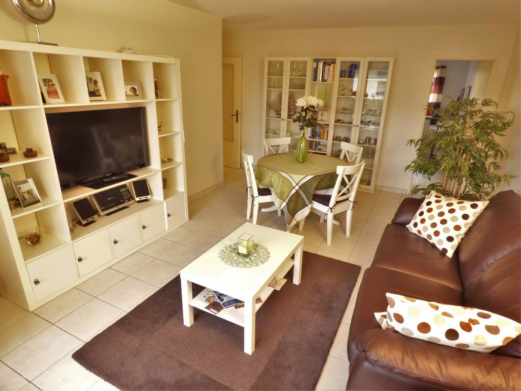 Appartement à vendre 3 61m2 à Fréjus vignette-2
