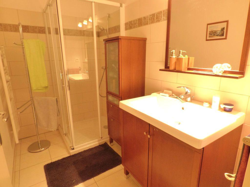 Appartement à vendre 3 61m2 à Fréjus vignette-4