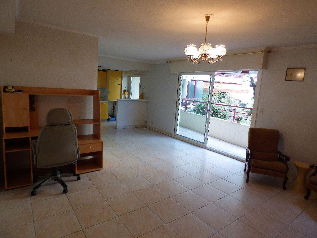 Appartement à vendre 2 57m2 à Fréjus vignette-4