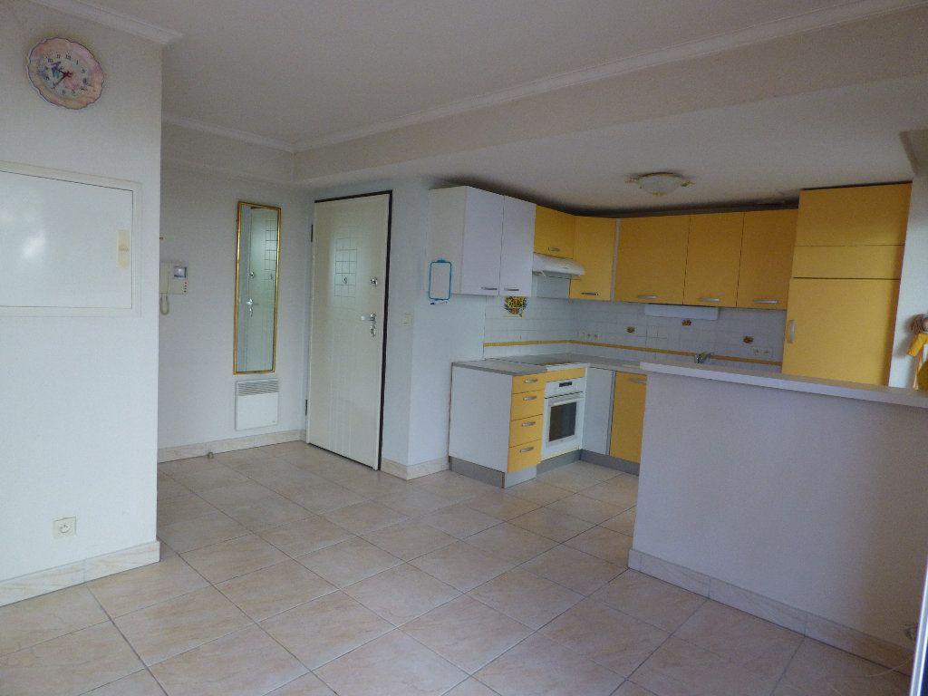 Appartement à vendre 2 57m2 à Fréjus vignette-5