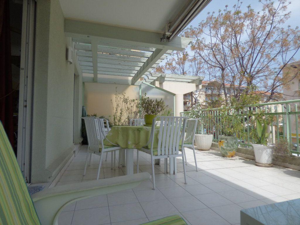 Appartement à vendre 4 81.38m2 à Fréjus vignette-6