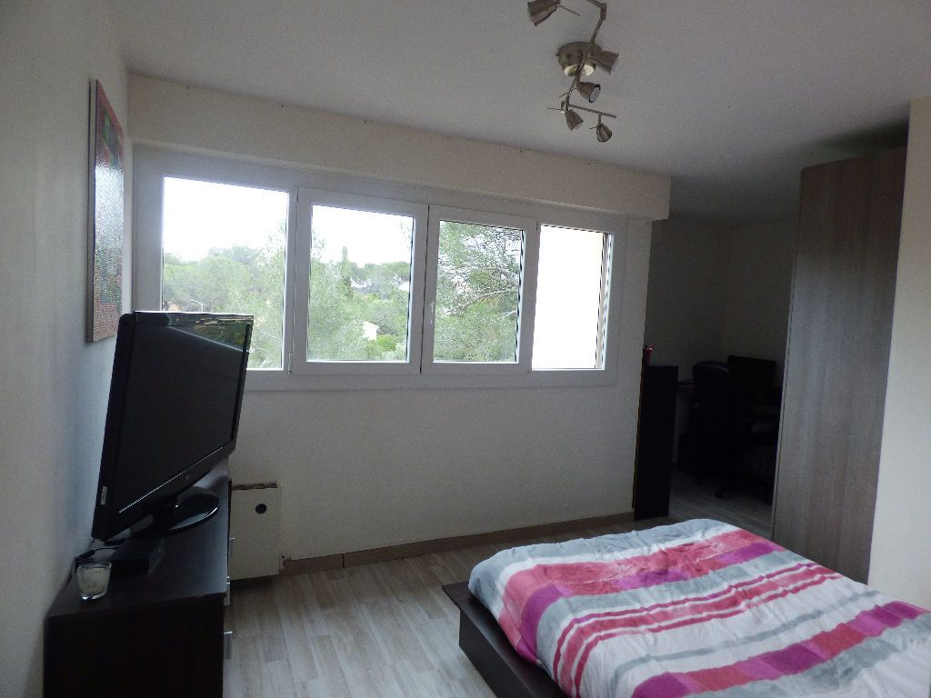 Appartement à vendre 4 84m2 à Saint-Raphaël vignette-4