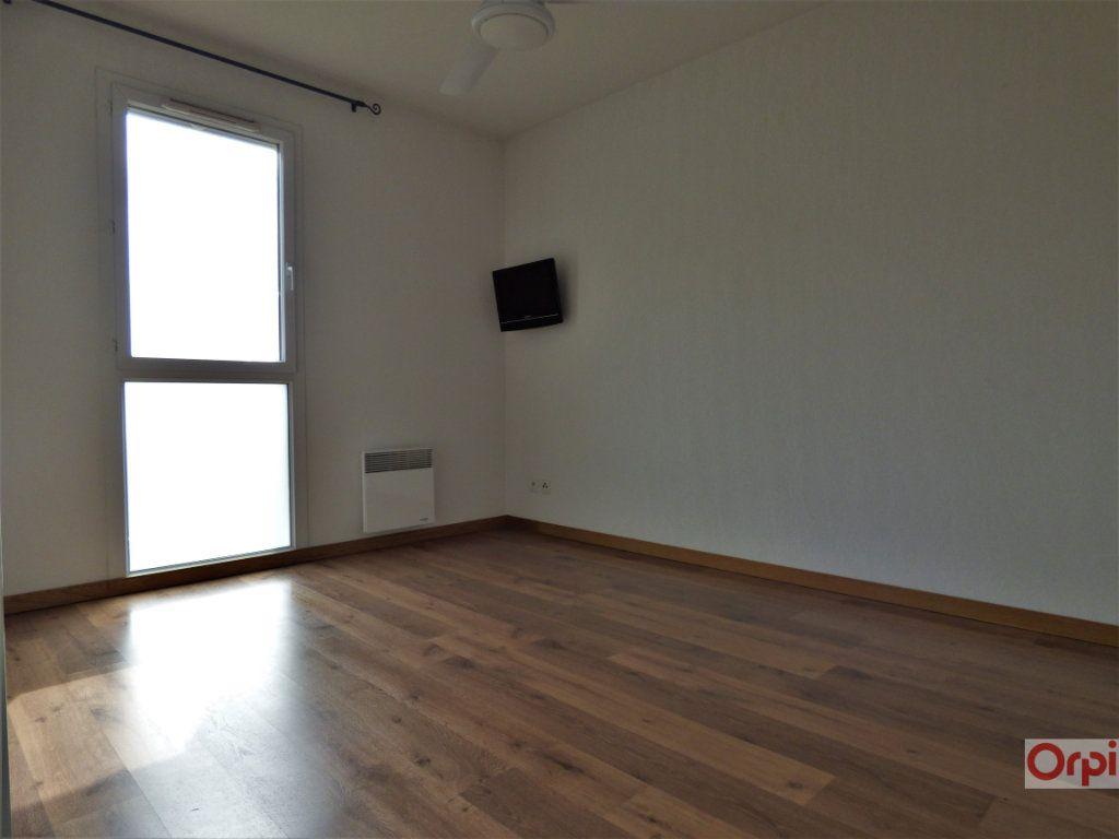 Appartement à vendre 3 76m2 à Saint-Raphaël vignette-4