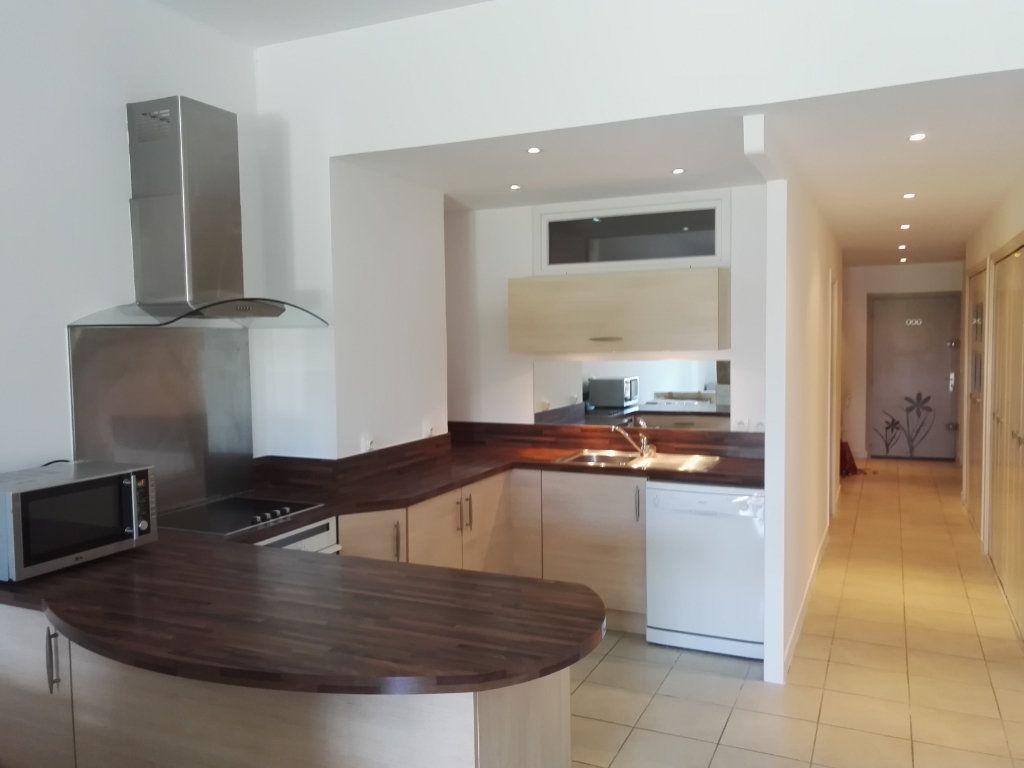 Appartement à vendre 2 61.03m2 à Saint-Raphaël vignette-6