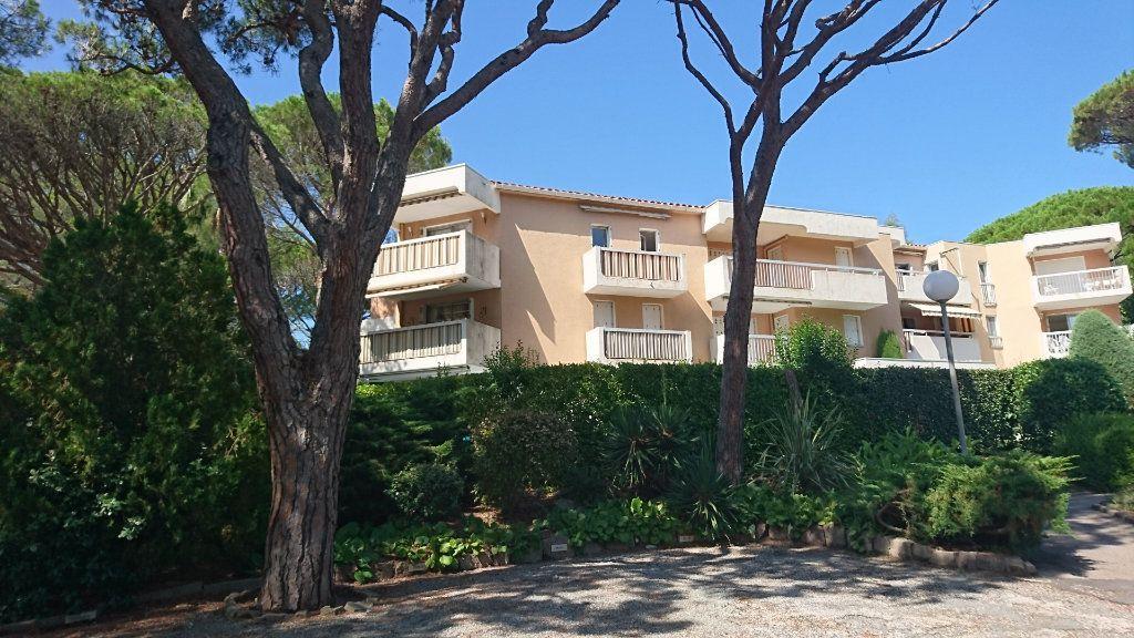 Appartement à vendre 3 51.81m2 à Saint-Raphaël vignette-2