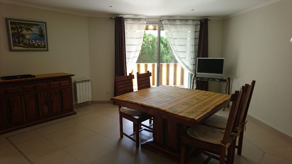 Appartement à vendre 3 51.81m2 à Saint-Raphaël vignette-6