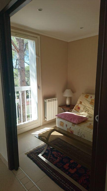 Appartement à vendre 3 51.81m2 à Saint-Raphaël vignette-9