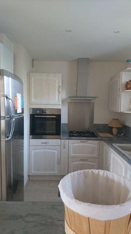 Appartement à vendre 3 62.8m2 à Saint-Raphaël vignette-7