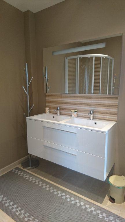 Appartement à vendre 3 62.8m2 à Saint-Raphaël vignette-12
