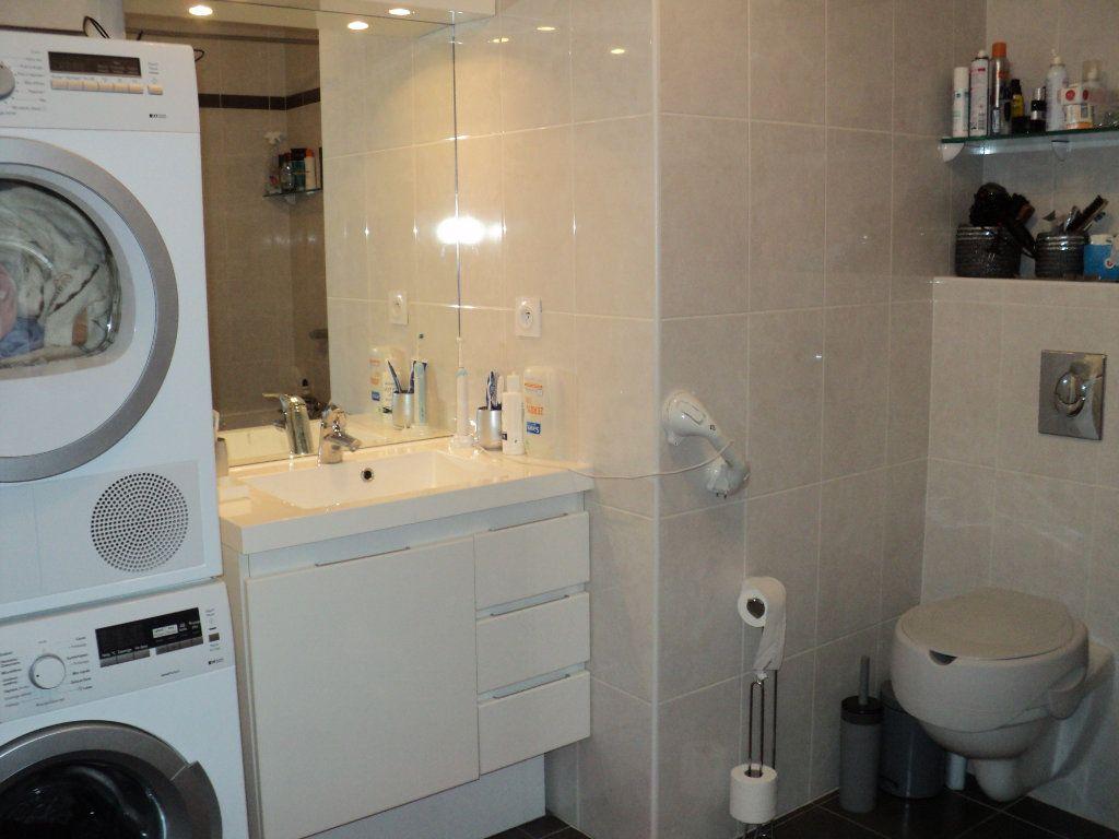 Appartement à vendre 3 71.31m2 à Saint-Raphaël vignette-5