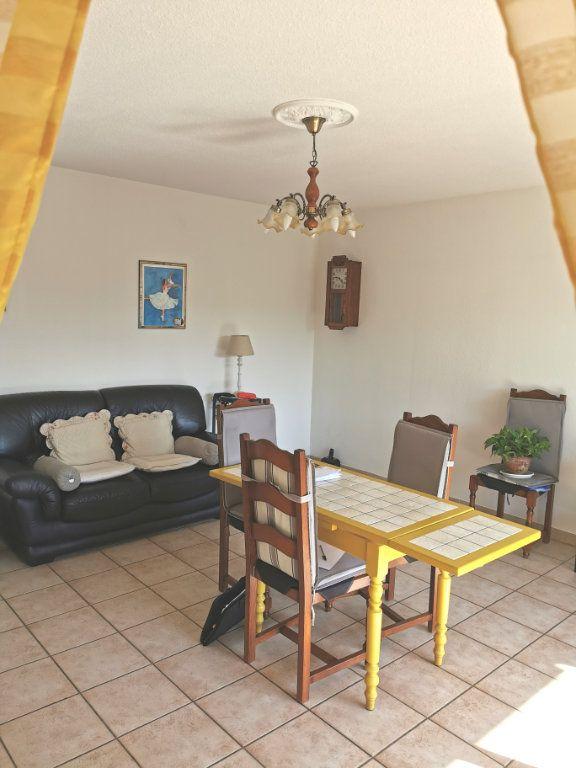 Appartement à vendre 3 66m2 à Fréjus vignette-1