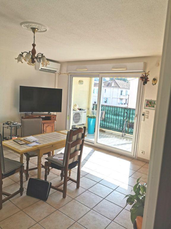Appartement à vendre 3 66m2 à Fréjus vignette-2