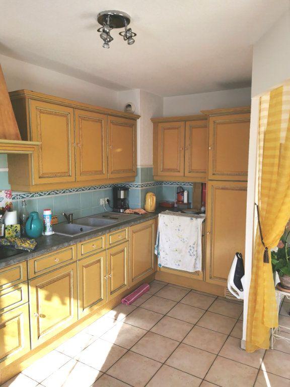 Appartement à vendre 3 66m2 à Fréjus vignette-3