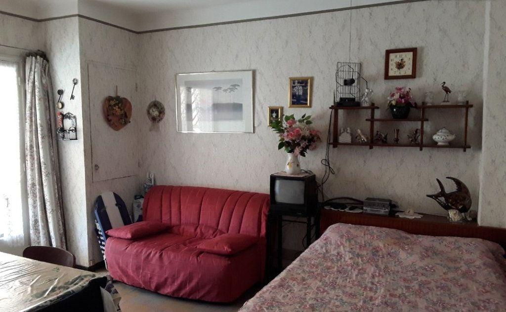 Appartement à vendre 1 24.81m2 à Fréjus vignette-1
