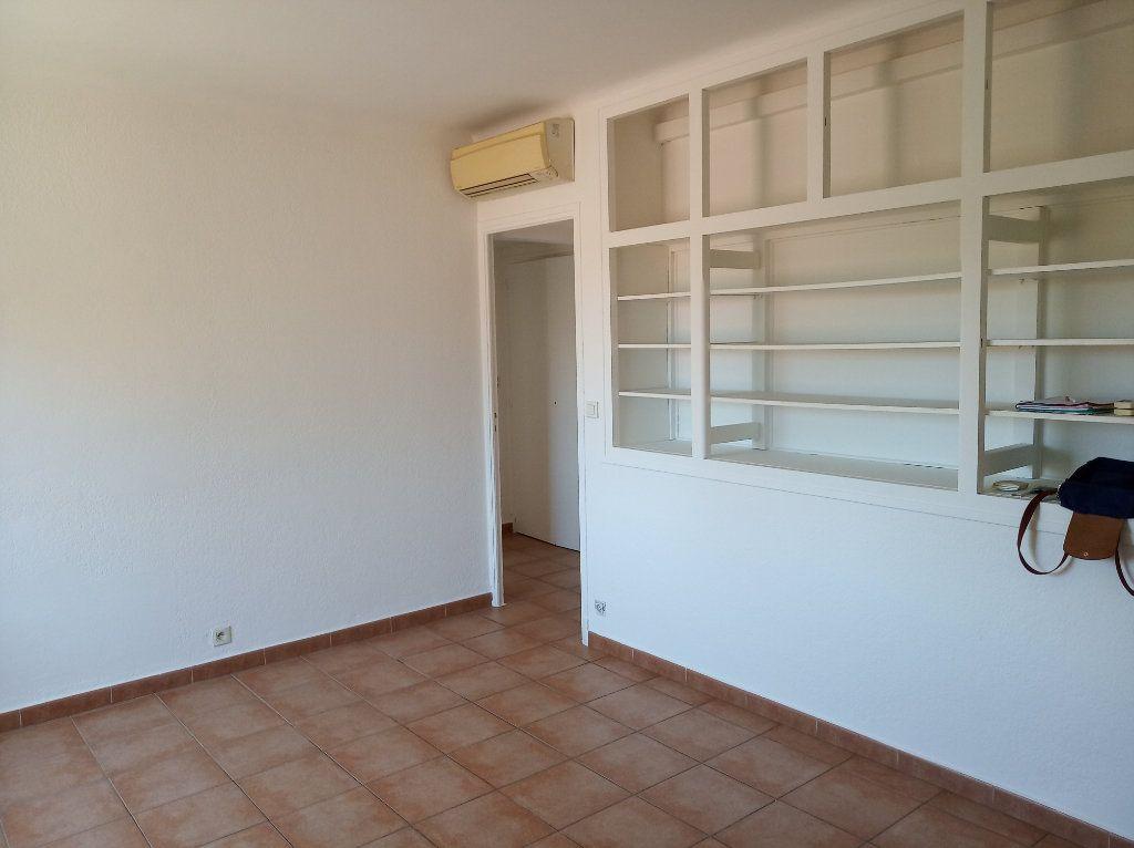Appartement à vendre 2 49.01m2 à Saint-Raphaël vignette-2
