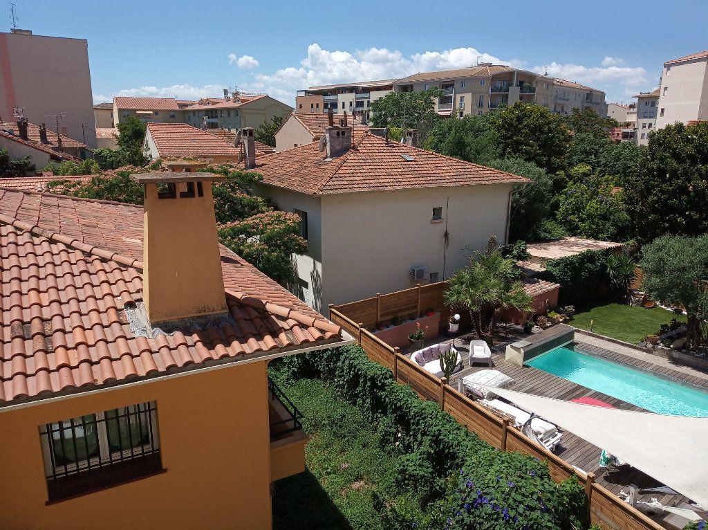 Appartement à vendre 2 49.01m2 à Saint-Raphaël vignette-3
