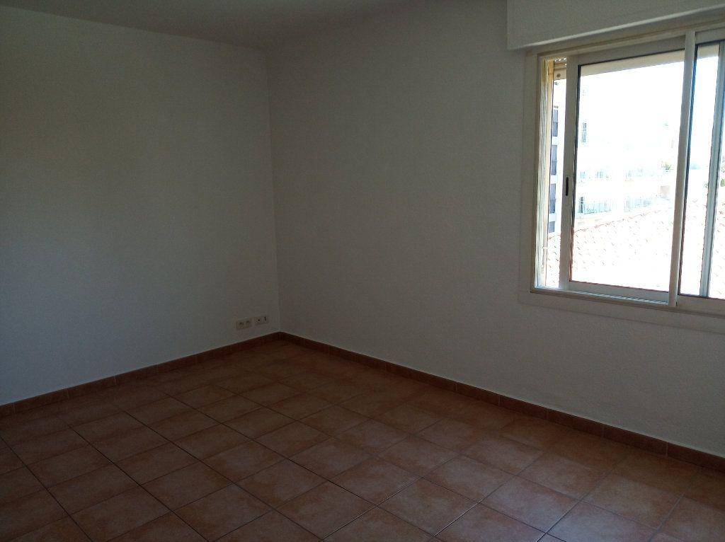 Appartement à vendre 2 49.01m2 à Saint-Raphaël vignette-7