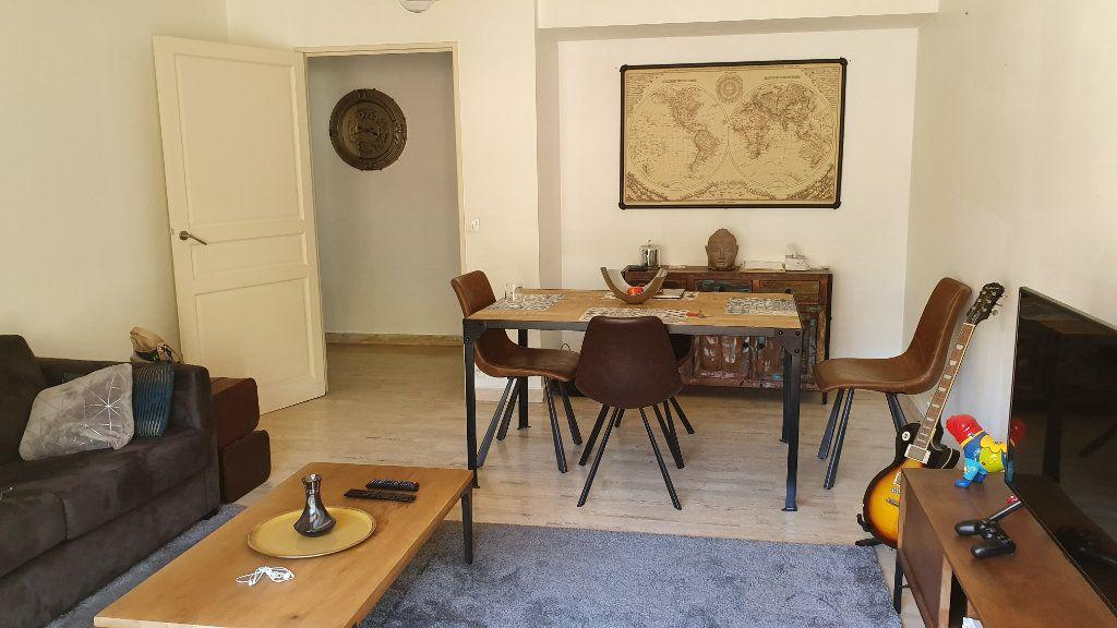 Appartement à vendre 2 50.48m2 à Saint-Raphaël vignette-4