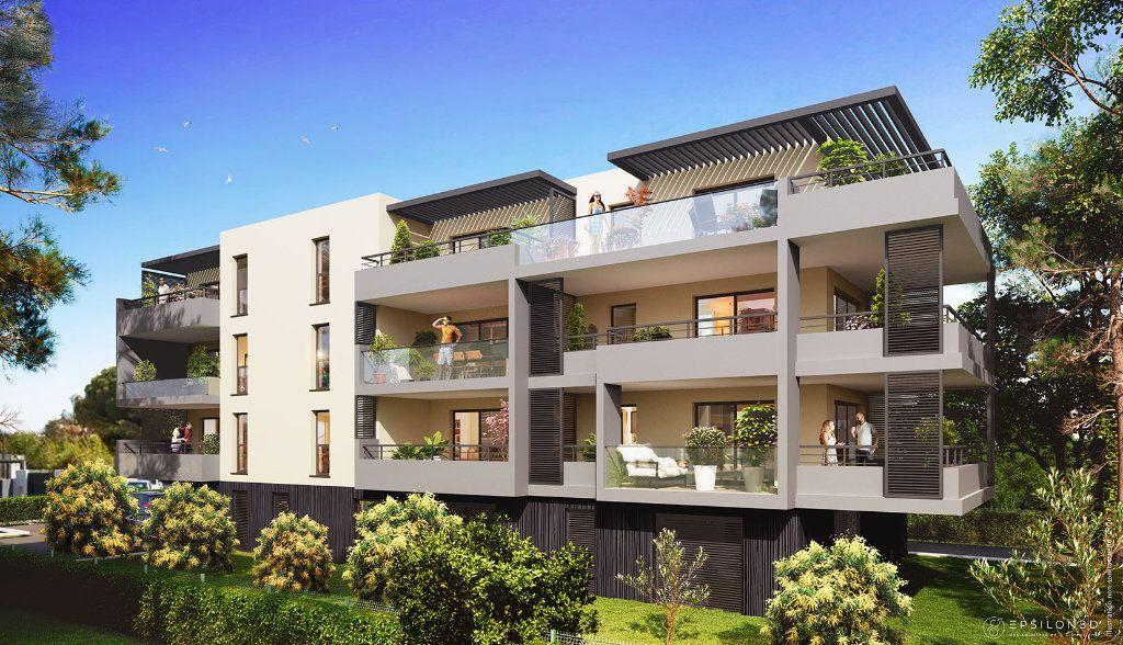 Appartement à vendre 3 63.43m2 à Saint-Raphaël vignette-1
