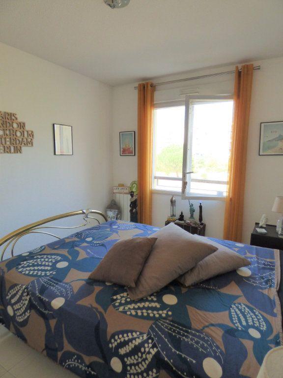 Appartement à vendre 4 101m2 à Fréjus vignette-8