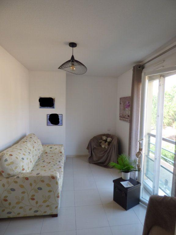 Appartement à vendre 4 101m2 à Fréjus vignette-11