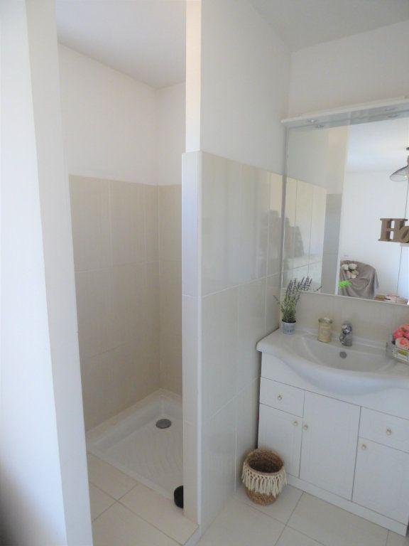 Appartement à vendre 4 101m2 à Fréjus vignette-12