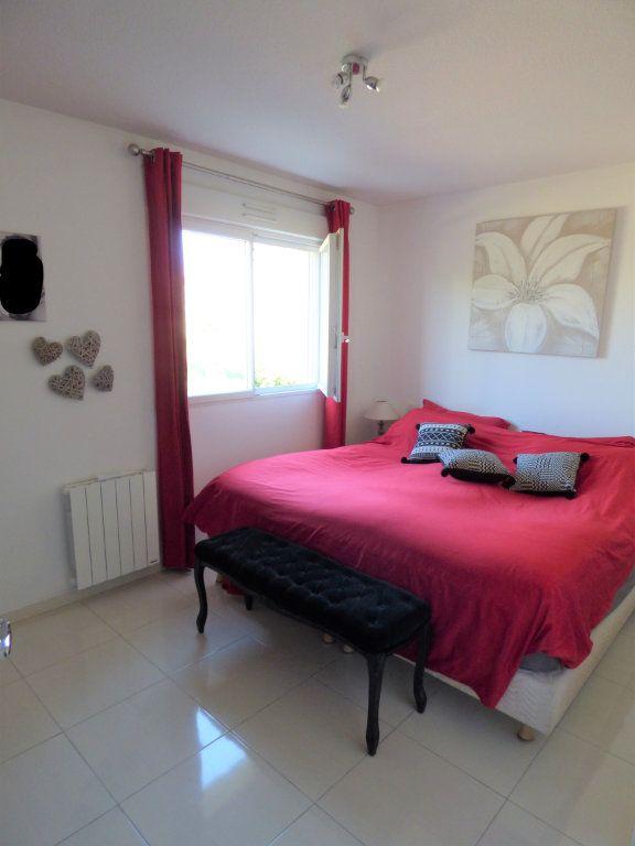 Appartement à vendre 4 101m2 à Fréjus vignette-13