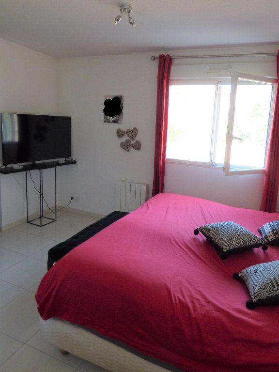 Appartement à vendre 4 101m2 à Fréjus vignette-14