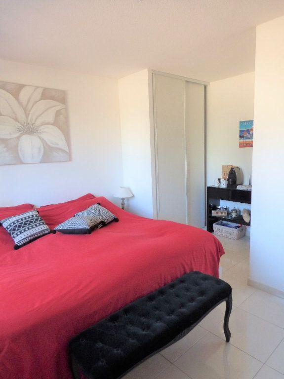Appartement à vendre 4 101m2 à Fréjus vignette-15