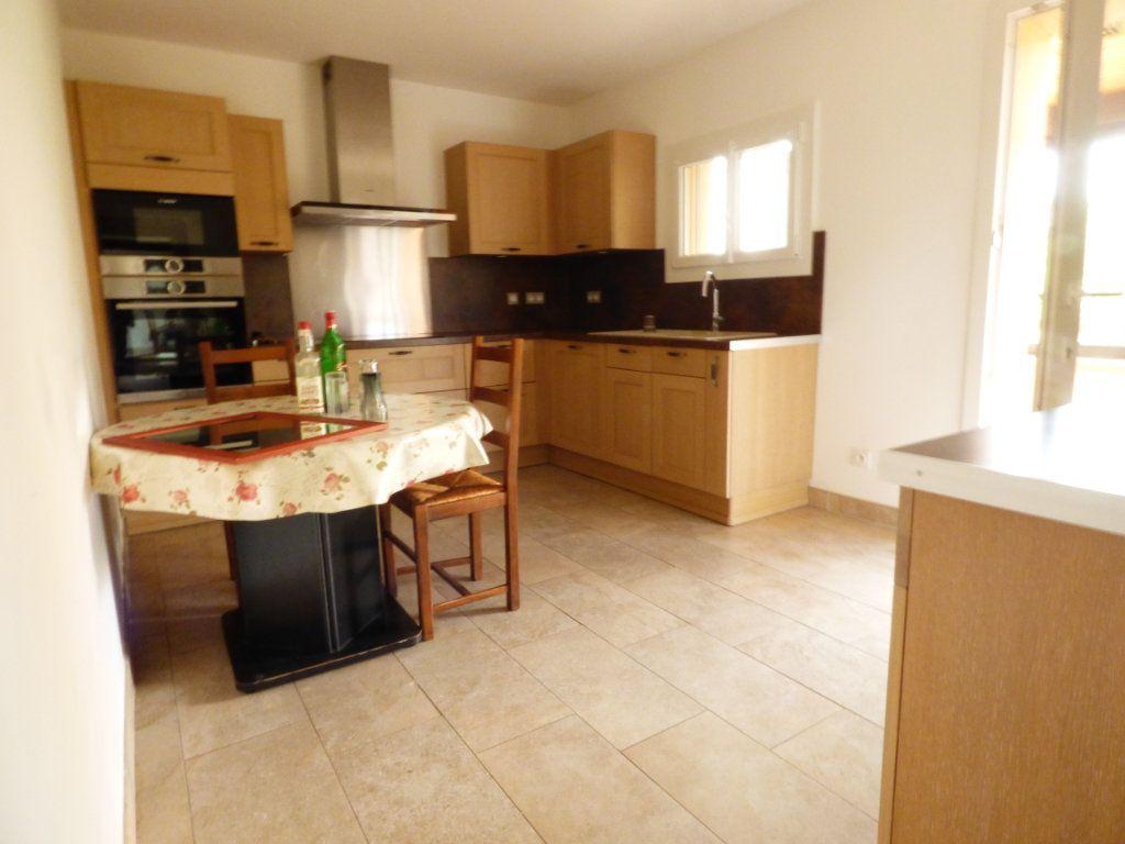 Maison à vendre 4 133m2 à Puget-sur-Argens vignette-2