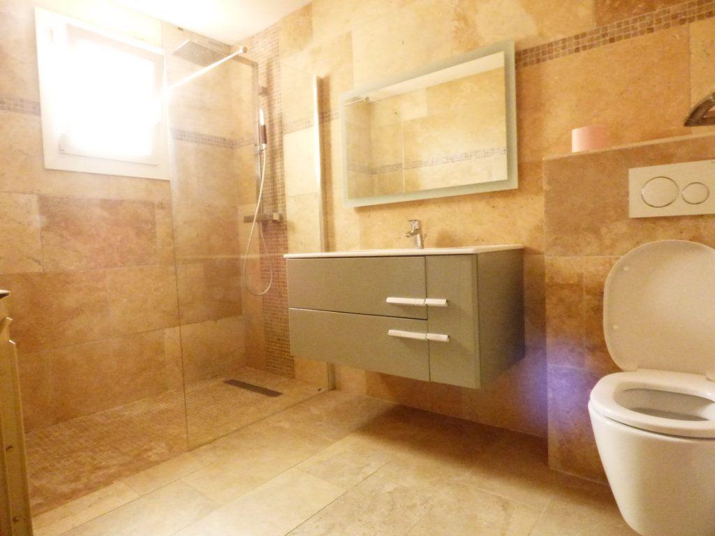 Maison à vendre 4 133m2 à Puget-sur-Argens vignette-3