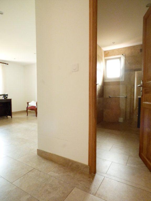 Maison à vendre 4 133m2 à Puget-sur-Argens vignette-7