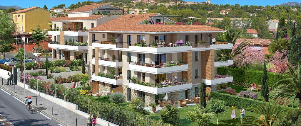 Appartement à vendre 3 139.16m2 à Saint-Raphaël vignette-1