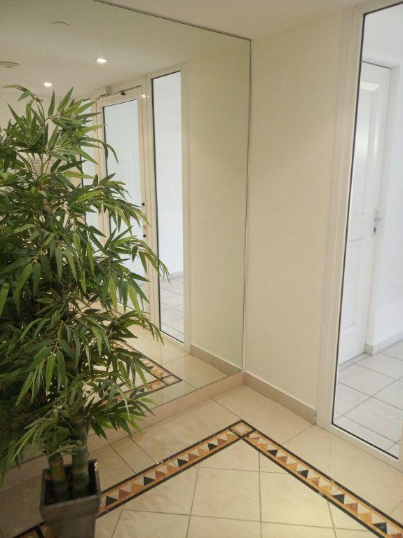Appartement à vendre 2 48.25m2 à Saint-Raphaël vignette-5