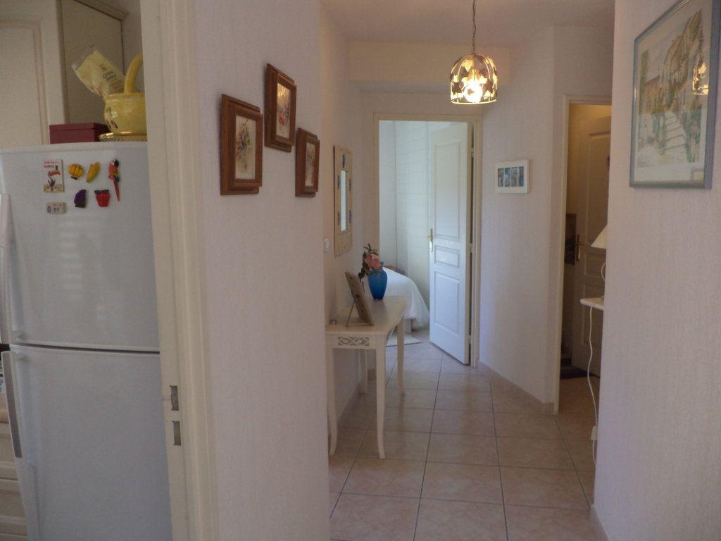 Appartement à vendre 2 40m2 à Saint-Raphaël vignette-8