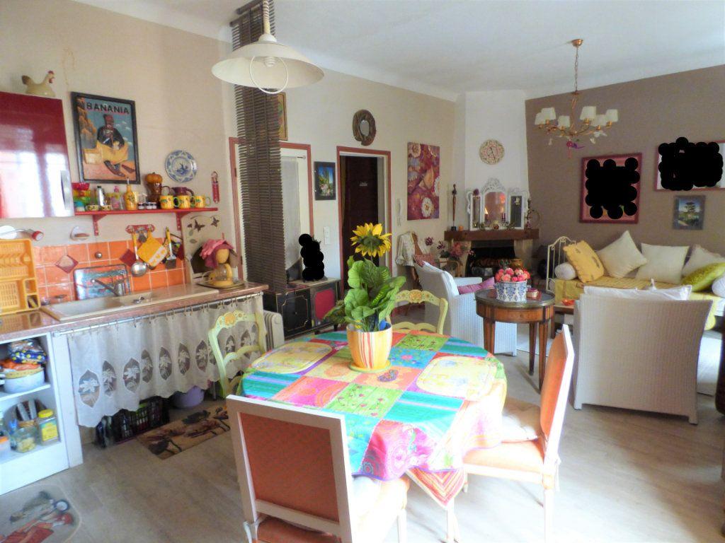 Appartement à vendre 3 65m2 à Saint-Raphaël vignette-1