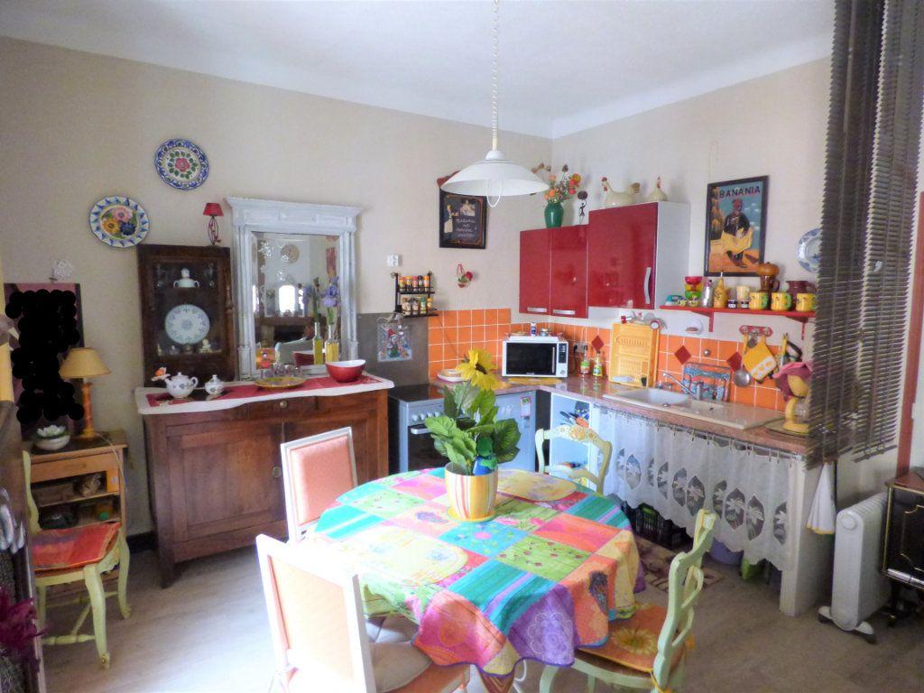 Appartement à vendre 3 65m2 à Saint-Raphaël vignette-2