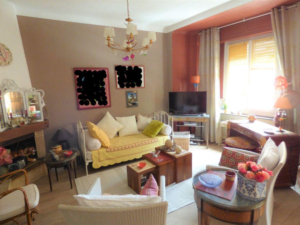 Appartement à vendre 3 65m2 à Saint-Raphaël vignette-3