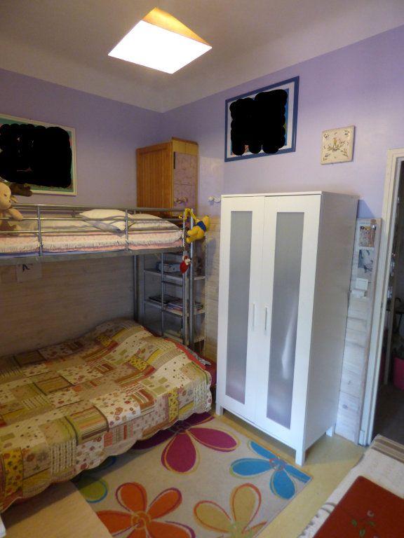 Appartement à vendre 3 65m2 à Saint-Raphaël vignette-8