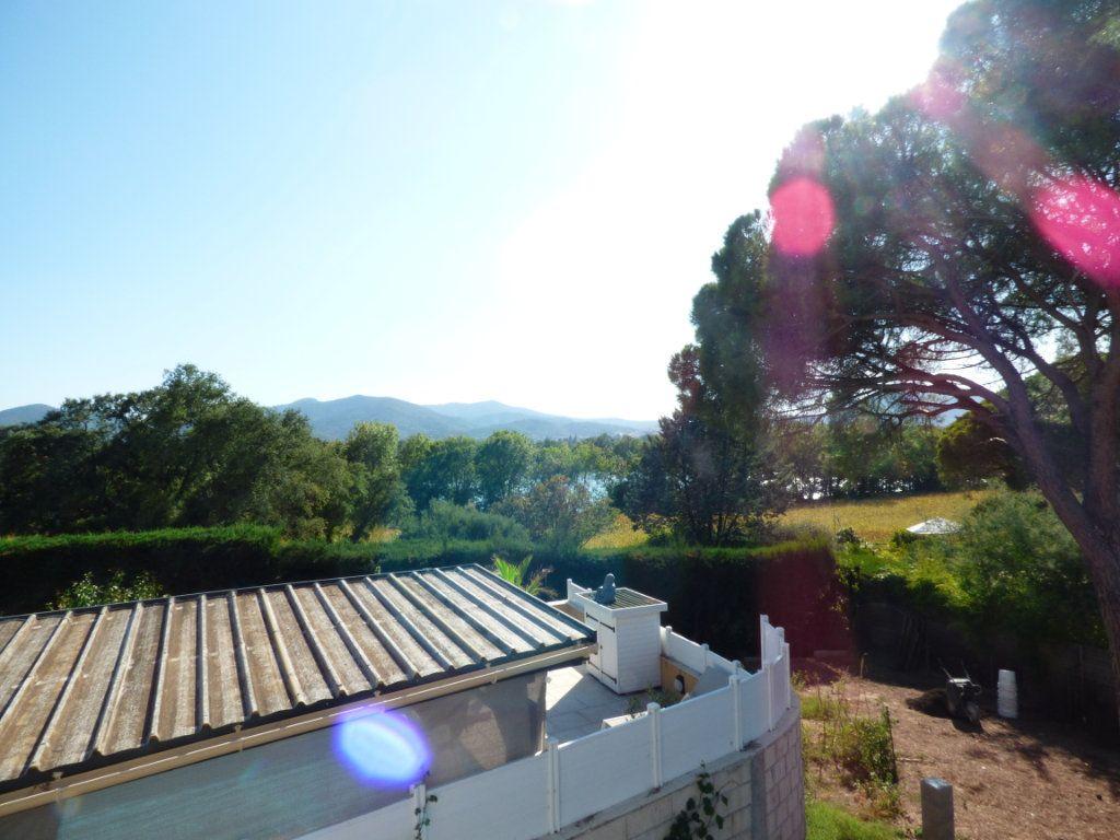 Maison à vendre 9 204.7m2 à Roquebrune-sur-Argens vignette-6