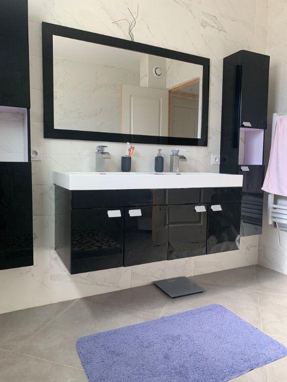 Maison à vendre 9 204.7m2 à Roquebrune-sur-Argens vignette-7