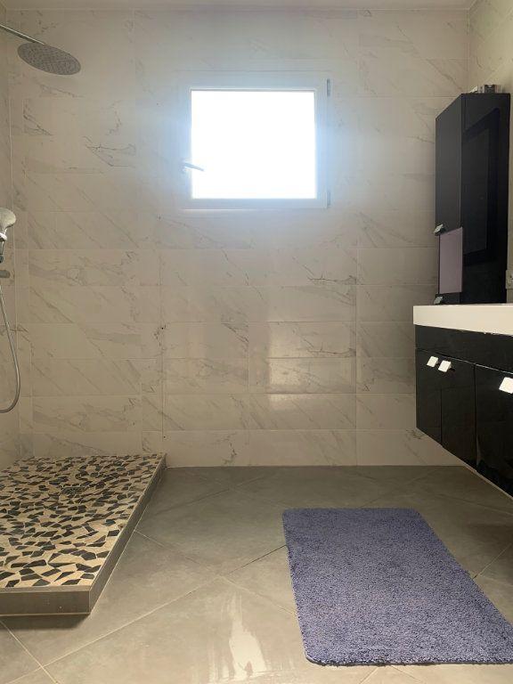 Maison à vendre 9 204.7m2 à Roquebrune-sur-Argens vignette-8