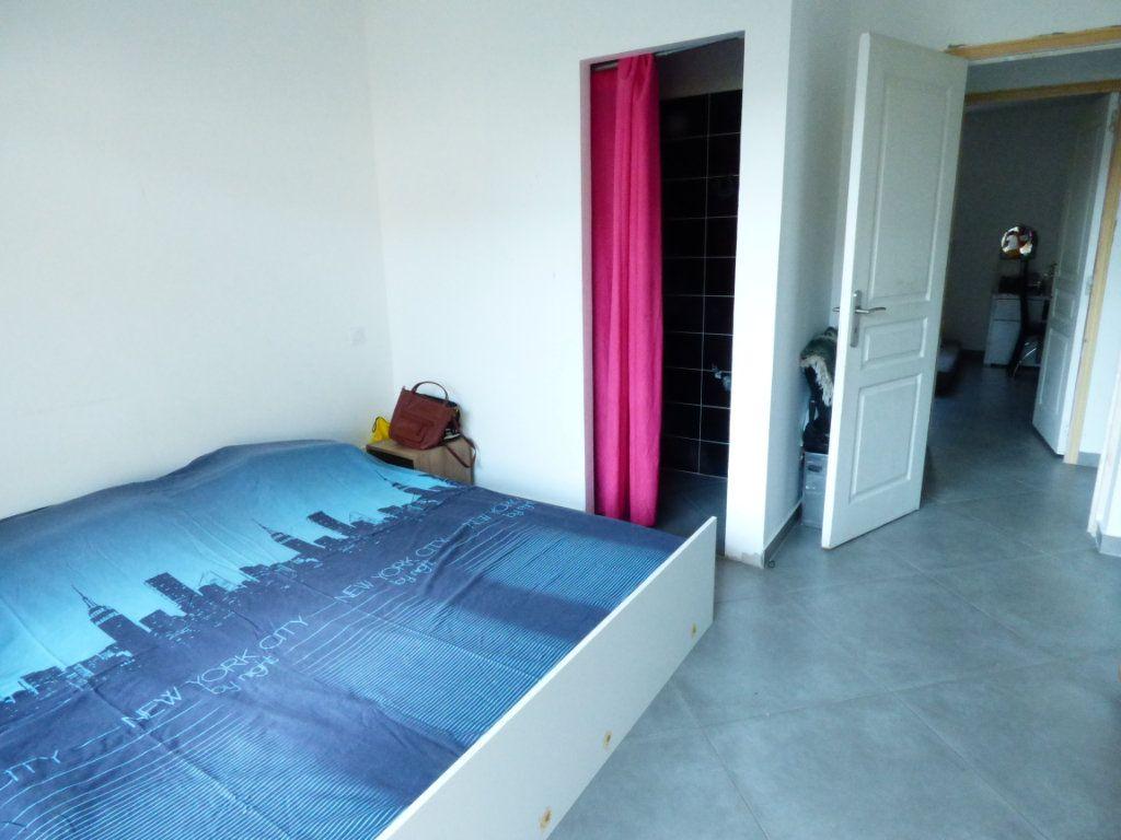 Maison à vendre 9 204.7m2 à Roquebrune-sur-Argens vignette-9