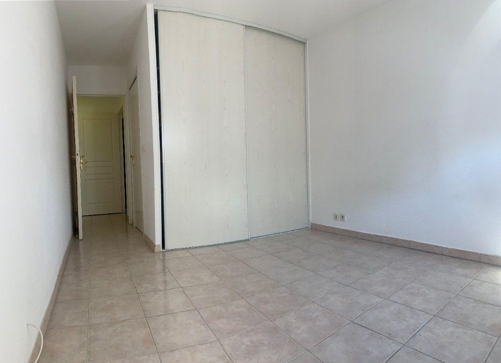 Appartement à vendre 3 71.77m2 à Fréjus vignette-6