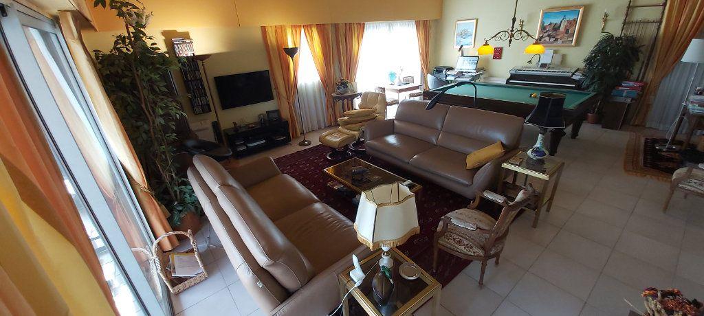 Maison à vendre 6 190m2 à Saint-Raphaël vignette-2